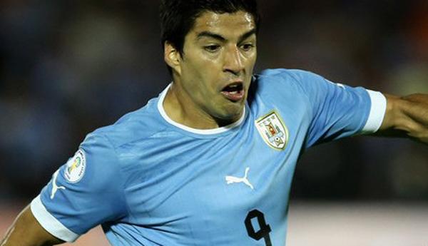Luis Suárez recibe severa sanción por mordida.