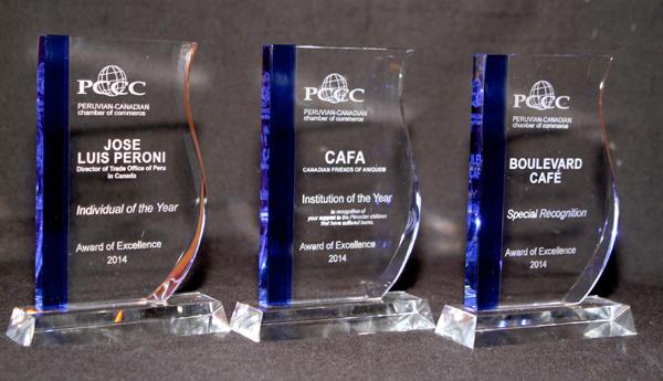 Trofeos entregados a los premiados del año 2014.